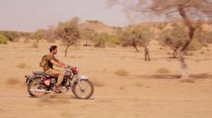 The Dead 2 India - Joseph Millson, bike