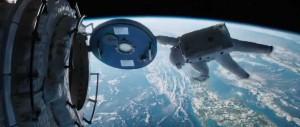 Gravity - Sandra Bullock, airlock