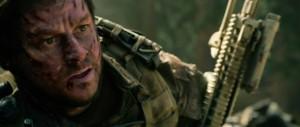 Lone Survivor - Wahlberg, gun