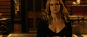 Cheap Thrills - Sara Paxton, bra