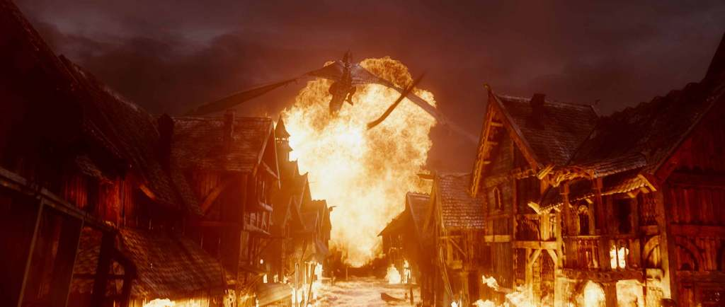 The-Hobbit---The-Battle-of-the-Five-Armies---Smaug-attacks-Lake-town