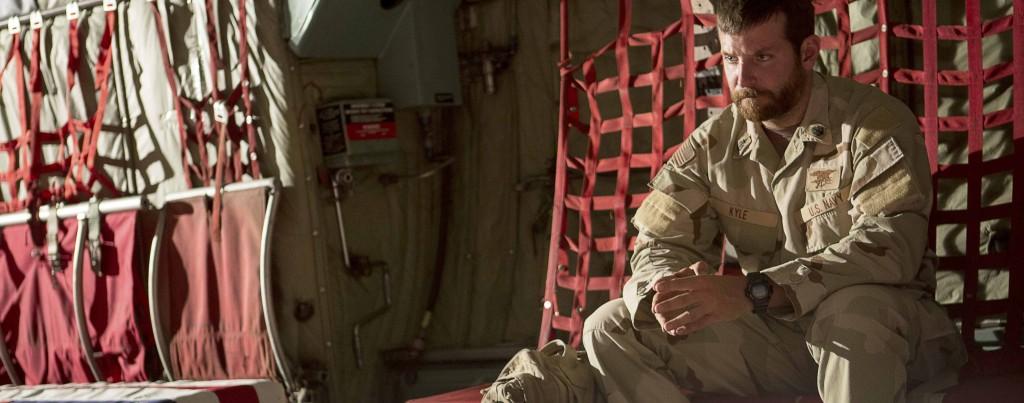 American-Sniper---Bradley-Cooper,-plane