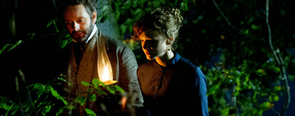 Far-From-The-Madding-Crowd---Carey-Mulligan,-Michael-Sheen