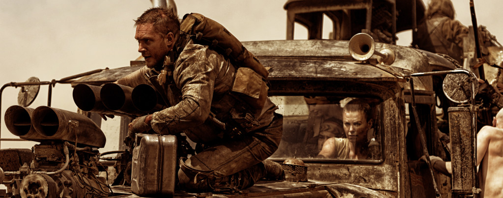 Mad-Max---Fury-Road---Tom-Hardy,-Charlize-Theron,-War-Rig