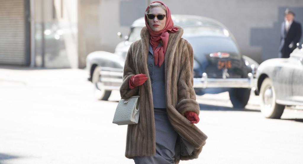 Carol---Cate-Blanchett,-head-scarf