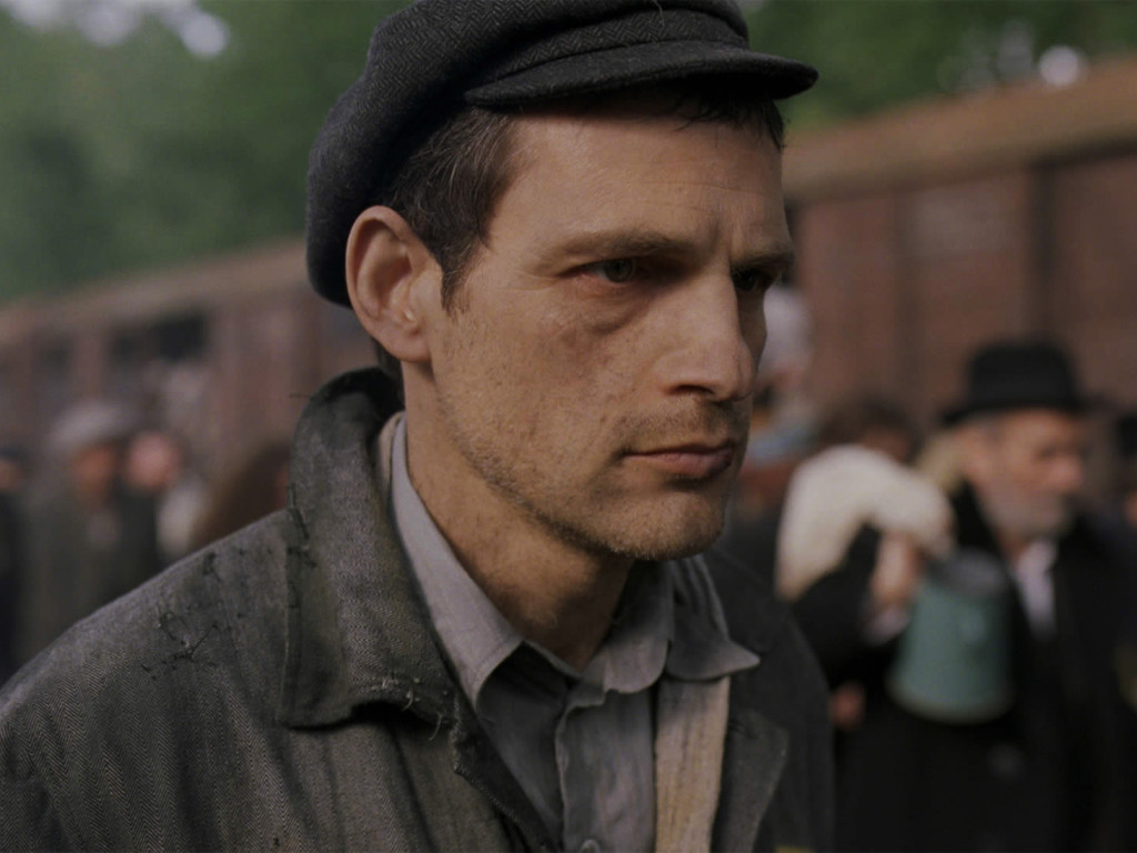 Son-of-Saul---Geza-Rohrig,-train