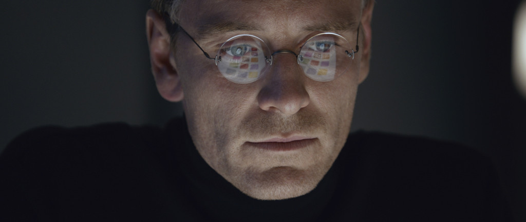 Steve-Jobs---Michael-Fassbender,-glasses-reflection
