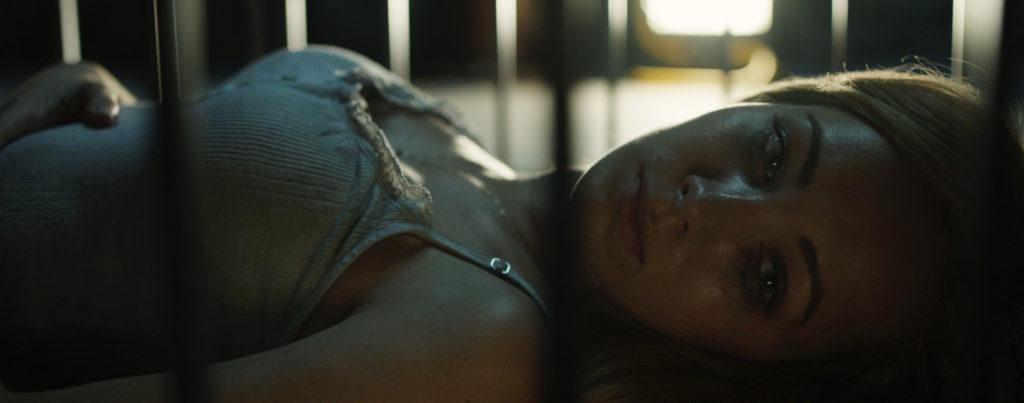 Pet---Ksenia-Solo,-cage
