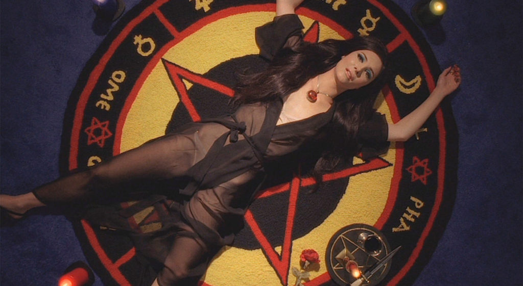 The-Love-Witch---Samantha-Robinson,-pentagram