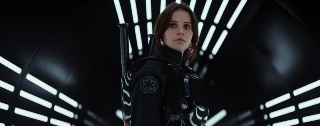 rogue-one-felicity-jones-jyn-erso-black-outfit